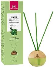 "Fragrances, Perfumes, Cosmetics Reed Diffuser Sphere ""Fresh Cut Grass"" - Cristalinas Mikado Reed Diffuser"