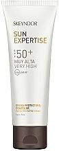 Fragrances, Perfumes, Cosmetics Toning Sunscreen SPG 50 - Skeyndor Sun Expertise Tinted Protective Cream SPF50