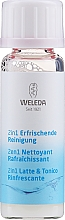 Fragrances, Perfumes, Cosmetics Universal Face Cleanser 2 in 1 - Weleda 2in1 Erfrischende Reinigung Milch (mini size)