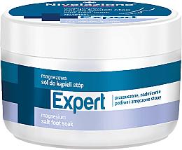 Fragrances, Perfumes, Cosmetics Foot Salt Bath - Farmona Nivelazione Skin Therapy Expert Magnesium Salt Foot Soak