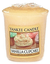 Fragrances, Perfumes, Cosmetics Scented Candle - Yankee Candle Vanilla Cupcake