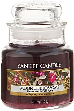 Fragrances, Perfumes, Cosmetics Scented Candle in Jar - Yankee Candle Moonlit Blossoms