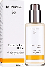 Fragrances, Perfumes, Cosmetics Moisturizing Face Milk - Dr. Hauschka Revitalizing Day Cream