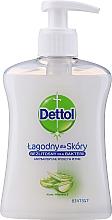 "Fragrances, Perfumes, Cosmetics Antibacterial Liquid Soap ""Moisturizing"" - Dettol"