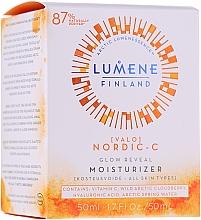 Fragrances, Perfumes, Cosmetics Moisturizing Day Cream for Skin Glow - Lumene Valo Glow Reveal