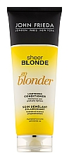 "Fragrances, Perfumes, Cosmetics Lightening Conditioner ""Go Blonder"" - John Frieda Sheer Blonde Soin Demelant Eclaircissante Go Blonder"