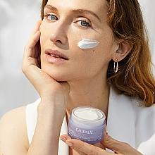 Anti-Dark Spot Night Cream with Glycolic Acid - Caudalie Vinoperfect Dark Spot Correcting Glycolic Night Cream — photo N4