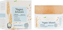 "Fragrances, Perfumes, Cosmetics Moisturizing Face Cream ""Oat, Wheat, Coconut Milk"" - Bielenda Vegan Muesli Face Cream"